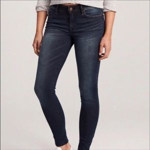 A&F Harper Skinny Jeans size 26